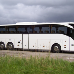witte-moderne-trouwbus